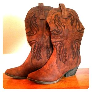 NEW Just Fab Marlina Cowboy Boots